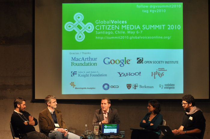 """The Global Voices Citizen Media Summit 2010 is held in Santiago, Chile on May 6-7. The theme of the meeting is """"Next generation citizen media, public access and citizen participation.Ó This year's program includes plenary discussions, topic-based breakout groups, open ÒunconferenceÓ-style sessions and hands-on training workshops. (Photo by Krzysztof Pawliszak/GV). CC BY 2.0"""