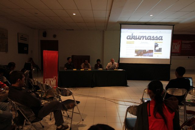 A a panel discussion about social media and online video distribution