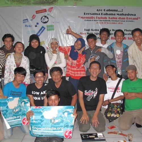 EM Asteki Workshop Pekanbaru - With students from Bahana Mahasiswa. Image from EM Flickr account.