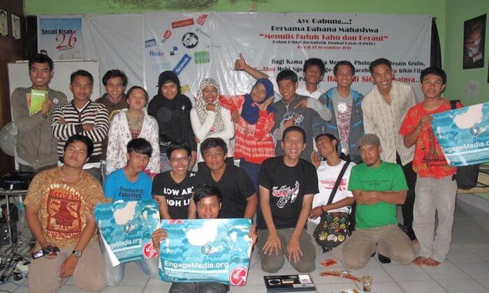 EM Asteki Workshop Pekanbaru - With students from Bahana Mahasiswa. Image from EM Flickr account.